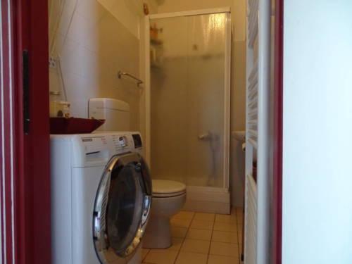 dormoatorino-casa-emma-lavatrice
